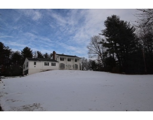 Single Family Home for Sale at 73 Stony Brook Road 73 Stony Brook Road Westford, Massachusetts 01886 United States
