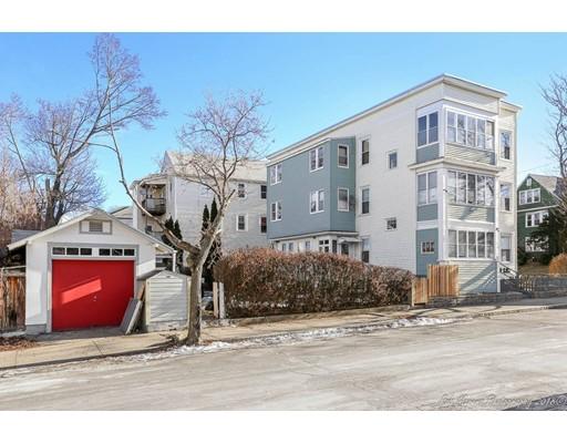 多户住宅 为 销售 在 76 Clifton Street 76 Clifton Street Lawrence, 马萨诸塞州 01843 美国