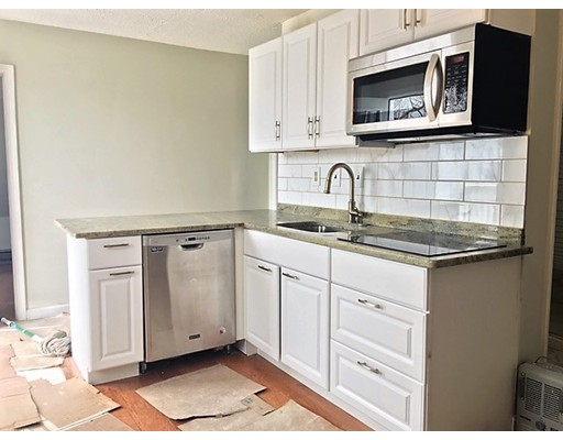 Casa Unifamiliar por un Alquiler en Richardson Malden, Massachusetts 02148 Estados Unidos