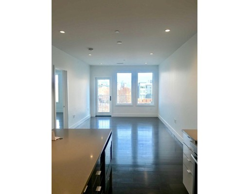 Condominio por un Alquiler en 30 B St. #303 30 B St. #303 Boston, Massachusetts 02127 Estados Unidos