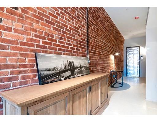 独户住宅 为 出租 在 275 Medford Street 波士顿, 马萨诸塞州 02129 美国