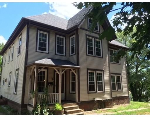 Maison avec plusieurs logements pour l Vente à 3 PLEASANT STREET 3 PLEASANT STREET Blackstone, Massachusetts 01504 États-Unis