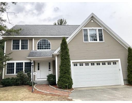 Частный односемейный дом для того Продажа на 11 Hampton Road 11 Hampton Road Sharon, Массачусетс 02067 Соединенные Штаты