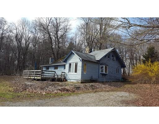 واحد منزل الأسرة للـ Sale في 101 Williamsburg Road 101 Williamsburg Road Worthington, Massachusetts 01098 United States