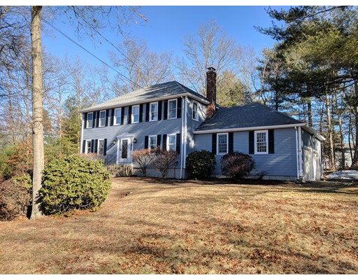 Single Family Home for Rent at 14 Bourne Road 14 Bourne Road Foxboro, Massachusetts 02035 United States