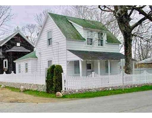 Single Family Home for Sale at 122 Dukes County Road 122 Dukes County Road Oak Bluffs, Massachusetts 02557 United States