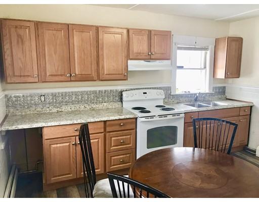 Квартира для того Аренда на 818 Waverely street #2 818 Waverely street #2 Framingham, Массачусетс 01702 Соединенные Штаты