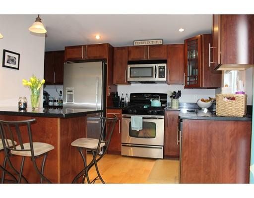 独户住宅 为 出租 在 64 Gates 波士顿, 马萨诸塞州 02127 美国