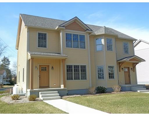 共管式独立产权公寓 为 销售 在 74 Hatfield Street 74 Hatfield Street Northampton, 马萨诸塞州 01060 美国