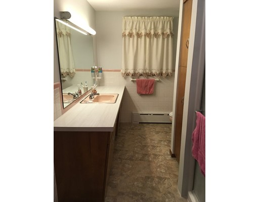 90 Worcester Rd, Webster, MA, 01570