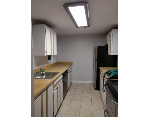 独户住宅 为 出租 在 136 Prince 波士顿, 马萨诸塞州 02144 美国