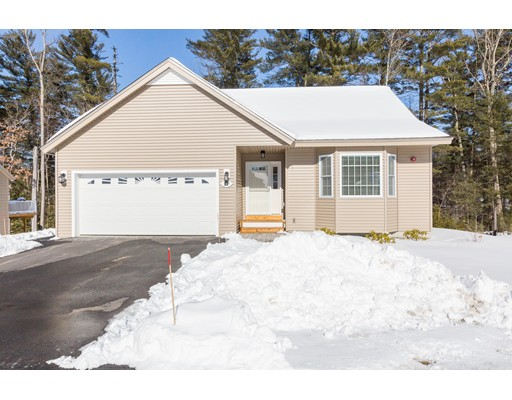Single Family Home for Sale at 21 Evergreen Drive 21 Evergreen Drive Newton, New Hampshire 03858 United States