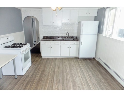 Additional photo for property listing at 4 Bedford Street  Somerville, Massachusetts 02143 Estados Unidos