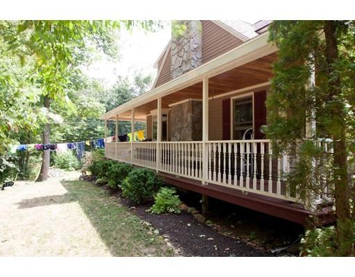 Single Family Home for Sale at 125 Gardner Road 125 Gardner Road Hubbardston, Massachusetts 01452 United States