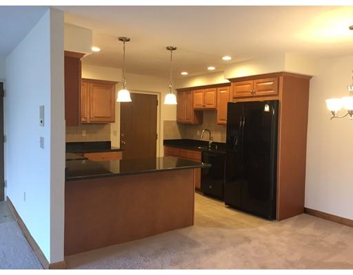 独户住宅 为 出租 在 2366 Commonwealth Avenue 牛顿, 马萨诸塞州 02466 美国