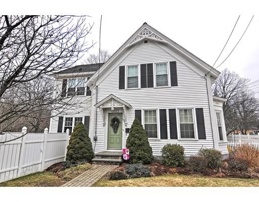 Maison unifamiliale pour l Vente à 112 Mendon Street 112 Mendon Street Hopedale, Massachusetts 01747 États-Unis