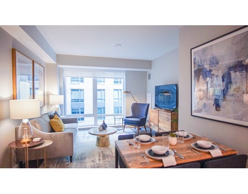 Casa Unifamiliar por un Alquiler en 101 Beverly Street Boston, Massachusetts 02114 Estados Unidos