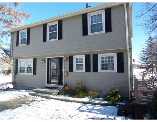 Single Family Home for Sale at 11 Frederick Circle 11 Frederick Circle Lynn, Massachusetts 01904 United States