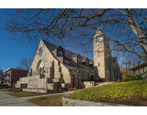 共管式独立产权公寓 为 销售 在 444 Mount Auburn Street #3 444 Mount Auburn Street #3 沃特敦, 马萨诸塞州 02472 美国