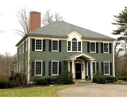 独户住宅 为 销售 在 96 Suffolk Road 96 Suffolk Road 牛顿, 马萨诸塞州 02467 美国