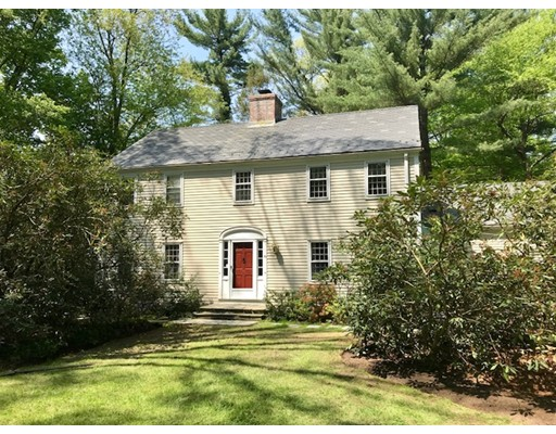 Single Family Home for Sale at 93 Overbrook Road 93 Overbrook Road Longmeadow, Massachusetts 01106 United States