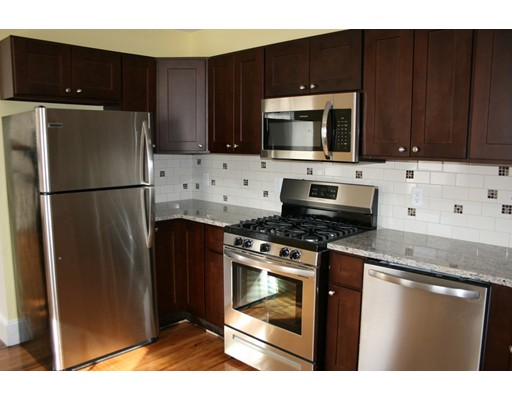 Квартира для того Аренда на 1188 WASHINGTON STREET #2 1188 WASHINGTON STREET #2 Norwood, Массачусетс 02062 Соединенные Штаты