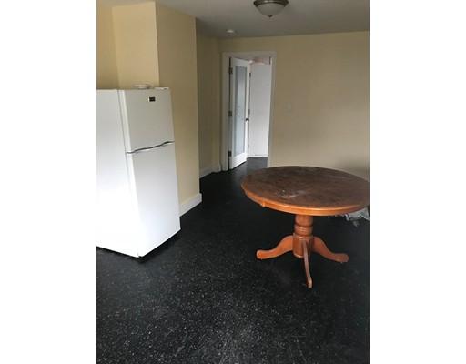 واحد منزل الأسرة للـ Rent في 110 S Common Street 110 S Common Street Lynn, Massachusetts 01902 United States