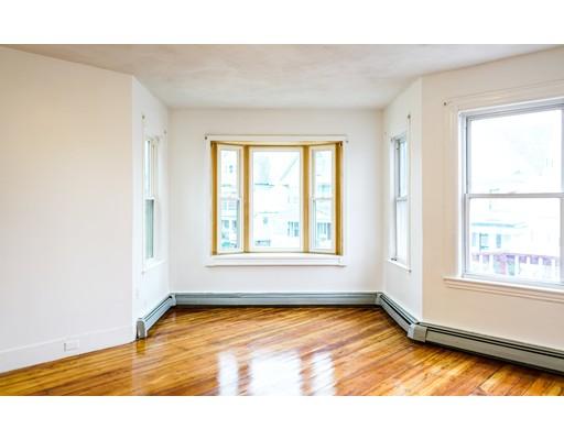 Casa Unifamiliar por un Alquiler en 10 Thetford Avenue Boston, Massachusetts 02124 Estados Unidos