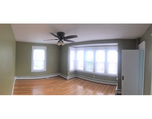 Additional photo for property listing at 121 Johnson Street  Lynn, Massachusetts 01902 Estados Unidos