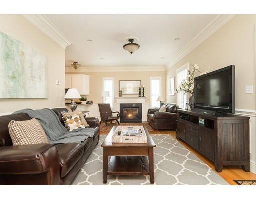 独户住宅 为 销售 在 87 Waban Park 87 Waban Park 牛顿, 马萨诸塞州 02458 美国
