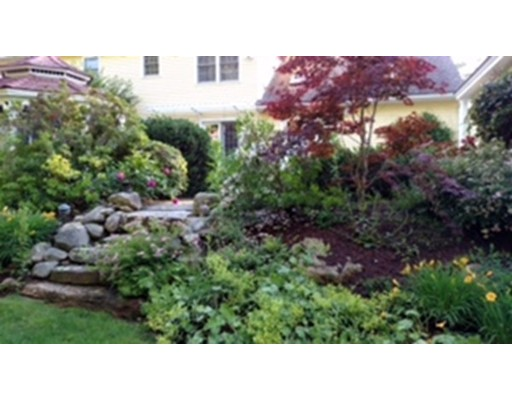 Single Family Home for Sale at 33 Buehler Road 33 Buehler Road Bedford, Massachusetts 01730 United States