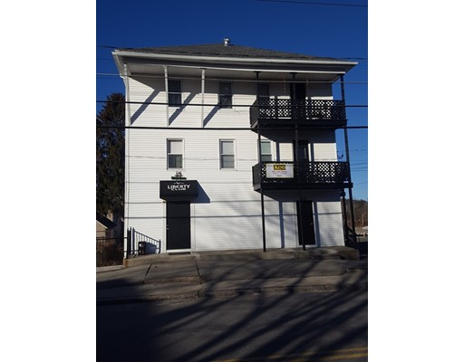 Comercial por un Venta en 103 NORTH MAIN Street 103 NORTH MAIN Street Webster, Massachusetts 01570 Estados Unidos
