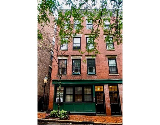 Apartment for Rent at 80 West Cedar #5 80 West Cedar #5 Boston, Massachusetts 02114 United States