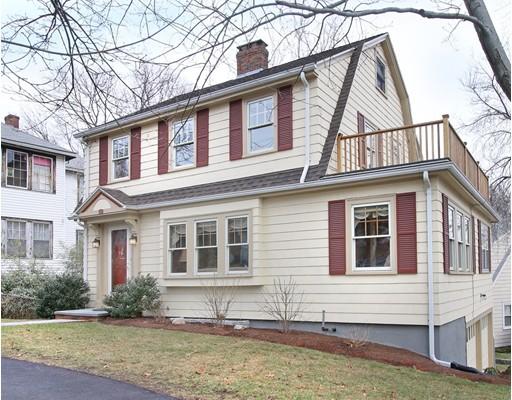 Casa Unifamiliar por un Venta en 341 Gray Street 341 Gray Street Arlington, Massachusetts 02476 Estados Unidos