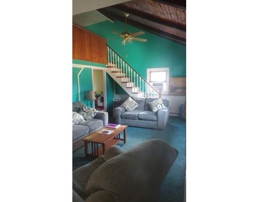 Maison unifamiliale pour l Vente à 109 Ferry Road 109 Ferry Road Salisbury, Massachusetts 01952 États-Unis