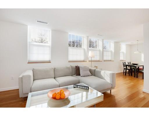 شقة بعمارة للـ Sale في 35 Eldridge Road 35 Eldridge Road Boston, Massachusetts 02130 United States