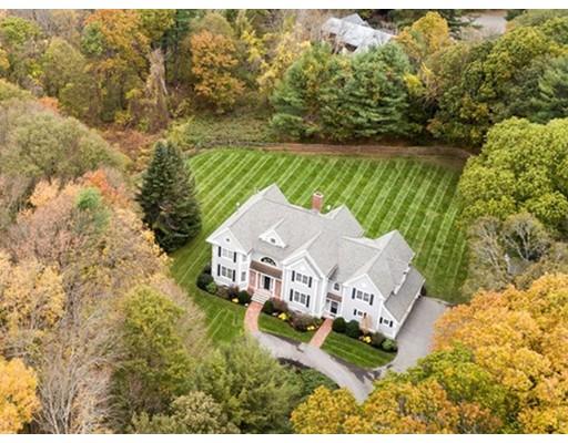 واحد منزل الأسرة للـ Sale في 34 Old Connecticut Path 34 Old Connecticut Path Wayland, Massachusetts 01778 United States