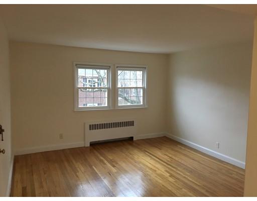 Additional photo for property listing at 932 Massachusetts Avenue  阿灵顿, 马萨诸塞州 02476 美国