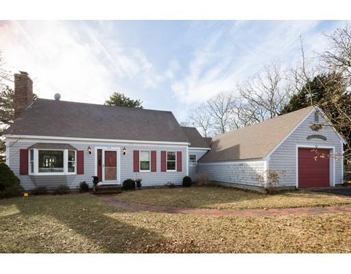 واحد منزل الأسرة للـ Sale في 22 Sumner Lane 22 Sumner Lane Brewster, Massachusetts 02631 United States