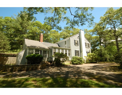 Single Family Home for Sale at 484 Main Street 484 Main Street Tisbury, Massachusetts 02568 United States