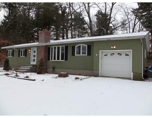 Single Family Home for Rent at 40 Middlesex Rd #40 40 Middlesex Rd #40 Tyngsborough, Massachusetts 01879 United States