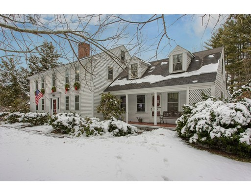 Single Family Home for Sale at 87 Pleasant Street 87 Pleasant Street Dunstable, Massachusetts 01827 United States