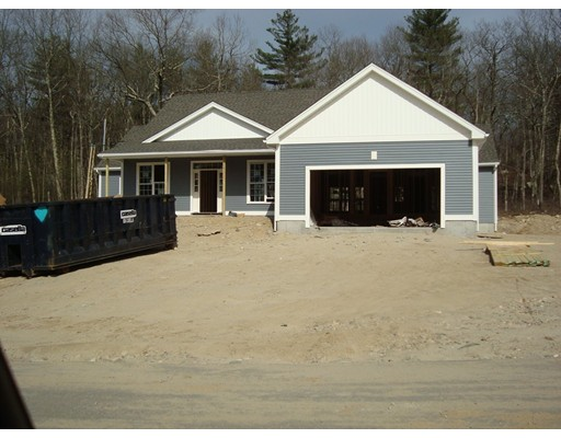 Single Family Home for Sale at 24 Rifleman Way 24 Rifleman Way Uxbridge, Massachusetts 01569 United States