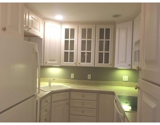 Single Family Home for Rent at 64 Jacqueline Rd, Waltham, Massachusetts 02452 United States