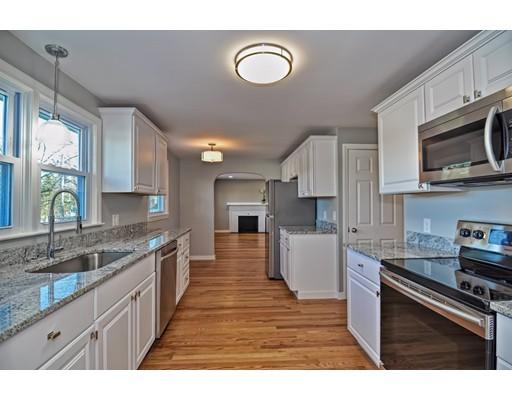 Maison unifamiliale pour l Vente à 90 Walnut Street 90 Walnut Street Shrewsbury, Massachusetts 01545 États-Unis
