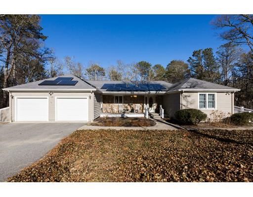 Casa Unifamiliar por un Venta en 160 Great Western Road 160 Great Western Road Harwich, Massachusetts 02645 Estados Unidos