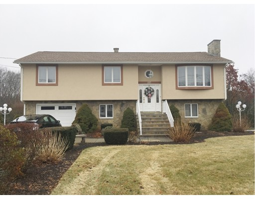 Single Family Home for Sale at 107 Mohawk Drive Seekonk, 02771 United States