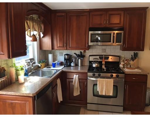 Casa Unifamiliar por un Alquiler en 94 Carey Avenue Watertown, Massachusetts 02472 Estados Unidos