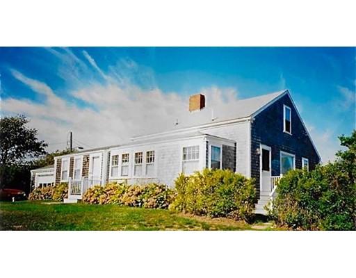 独户住宅 为 销售 在 77 Sparks Avenue 77 Sparks Avenue 楠塔基特岛, 马萨诸塞州 02554 美国