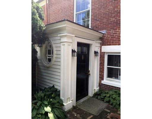 Apartamento por un Alquiler en 31 Chestnut St #Rear 31 Chestnut St #Rear Salem, Massachusetts 01970 Estados Unidos